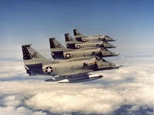 formacja skyhawków VMA-214