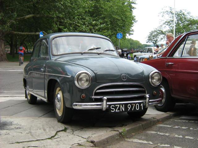 zabytkowe samochody - Syrena 102